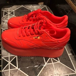 Reebok x Gigi Hadid Platform Classic (Bright Red)